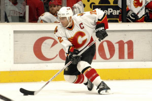LOS ANGELES - DECEMBER 19: Jarome Iginla #12 of the Calgary Flames skates against the Los Angeles Kings at the Staples Center December 19, 2006 in Los Angeles, California. (Photo by Noah Graham/Getty Images) *** Local Caption *** Jarome Iginla
