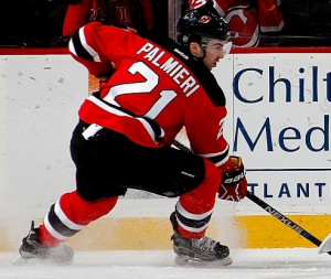 One of our longtime students Kyle Palmieri using both edges, perfect stopping body posture & staggered legs!